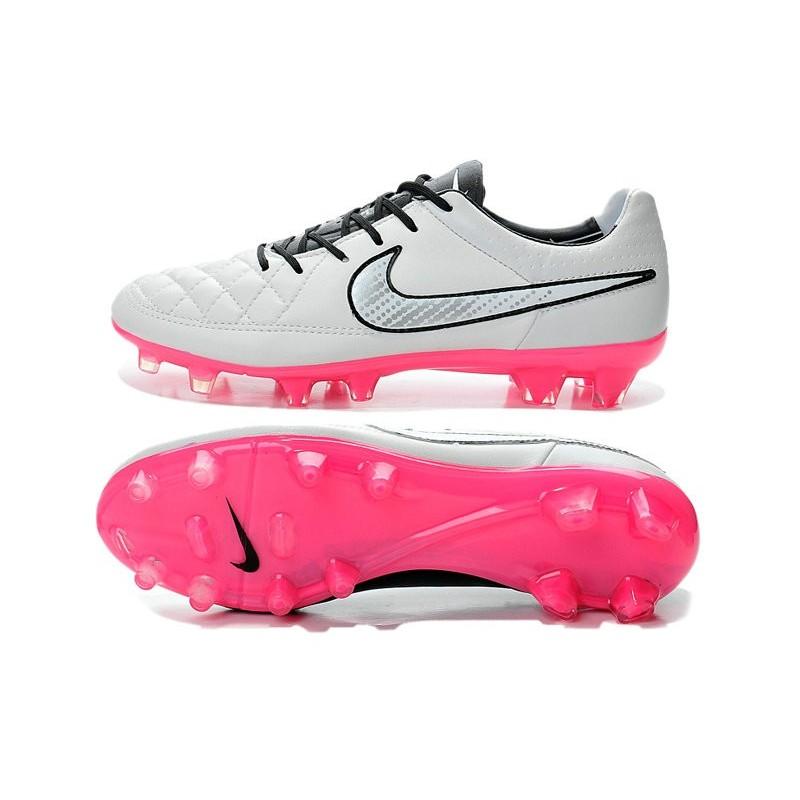 chaussure de foot nike grise et rose