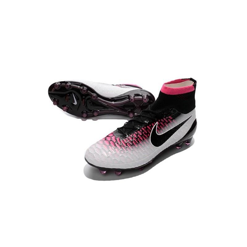 chaussures de foot nike blanche