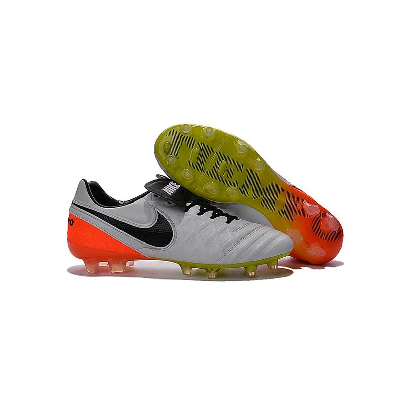 new styles 86231 b423d Nouveau Crampons de Football Nike Tiempo Legend VI FG Blanc Noir Orange  Total Volt