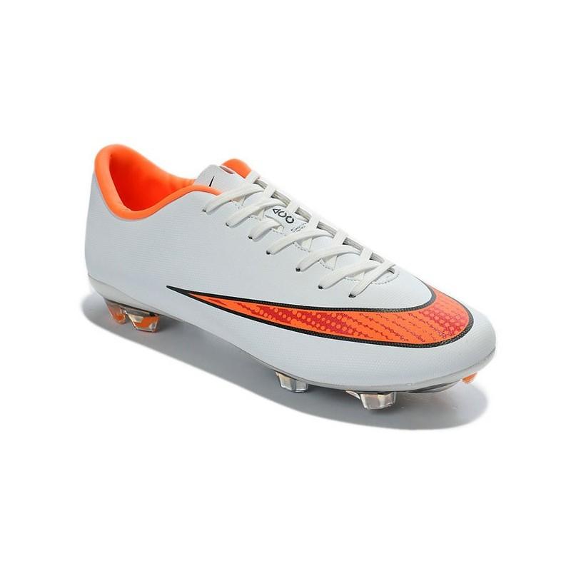 chaussure de foot nike blanc