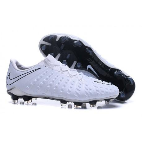 Chaussures de Football pour Hommes - Nike Hypervenom Phantom 3 FG Blanc Noir